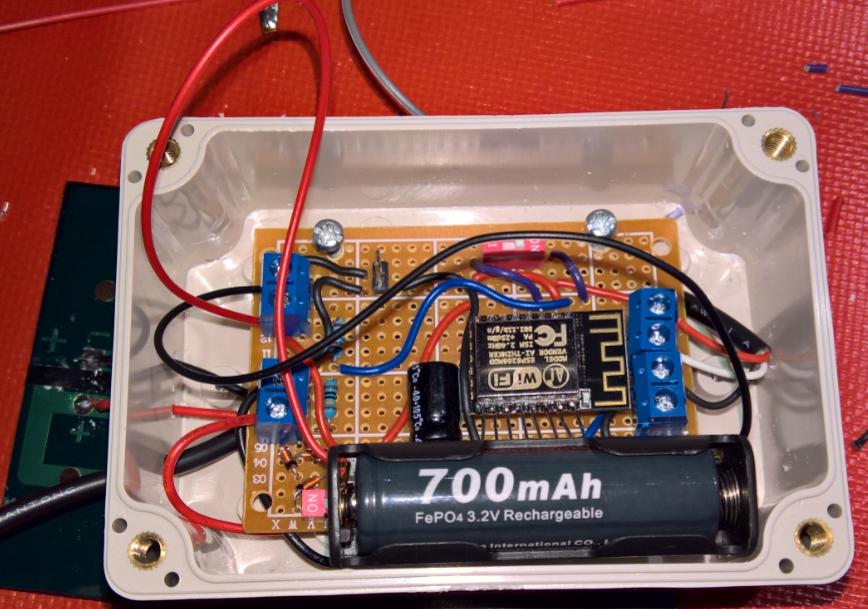 ESP8266 12E med LiFeP4 batteri