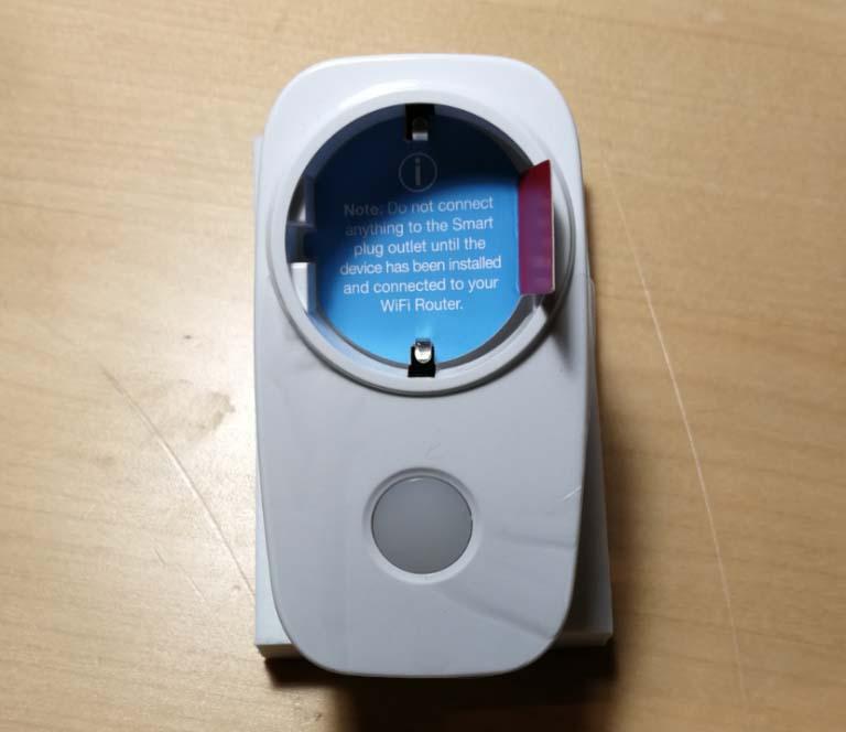 Wifi Smart plug just uppackad ur förpackningen.