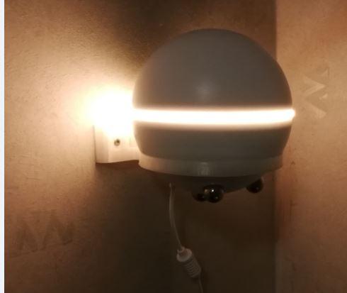 För att få extra mycket ljus från Homeyn så använder jag en baksida