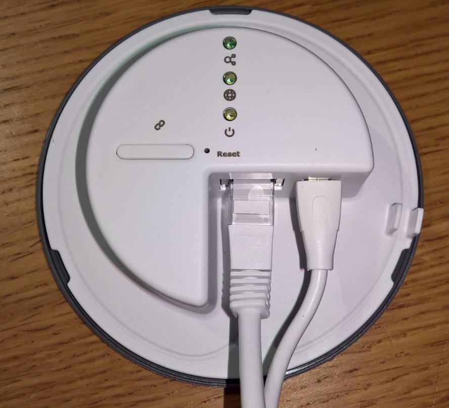 Ikeas kontroller öppen och med usb ström och nätverkskabel